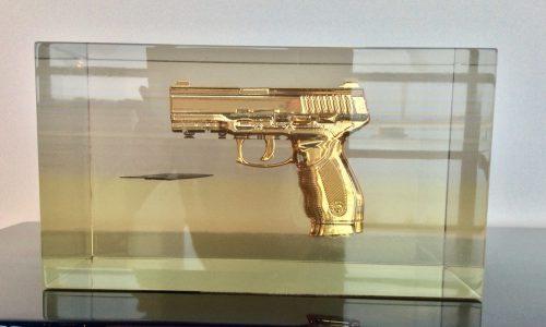 Exclusief kunst object, limited edtion: Golden Gun, Custom made , op aanvraag .